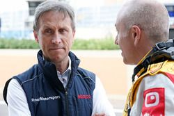 Roberto Ravaglia, ROAL车队经理;汤姆·克罗内尔,雪佛兰RML Cruze TC1, ROAL车队