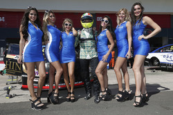 Stefano D'Aste, Chevrolet RML Cruze TC1, ALL-INKL.COM Münnich Motorsport met grid girls