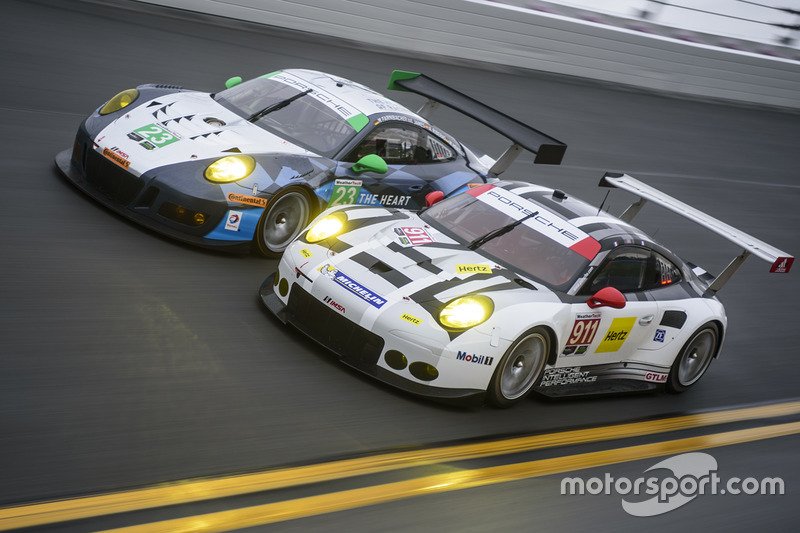 #7: Porsche in Daytona