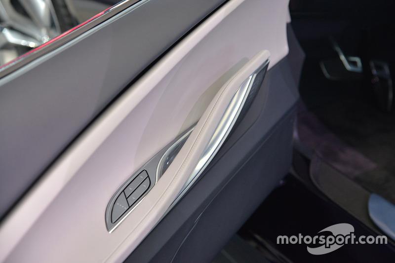 Buick Avista Concept at North American International Auto Show