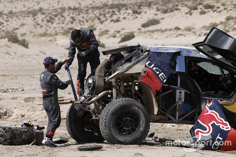 4. #314 Peugeot: Sèbastien Loeb, Daniel Elena después de su accidente