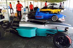 JA Motorsports pilotları Kari Motor Yarış Pisti'nde test yapıyor