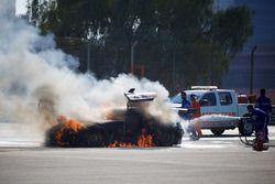 #16 Black Falcon Mercedes SLS AMG GT3: Adam Christodoulou, Oliver Webb, Patrick Assenheimer, Oliver Morley, Frank Montecalvo stoppt auf der Strecke wegen einem Feuer