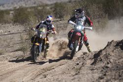 #3 KTM: Toby Price y #47 Honda: Kevin Benavides