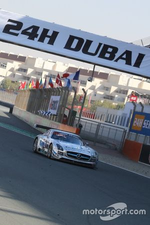 #22 Preci - Spark Mercedes SLS AMG GT3: David Jones, Godfrey Jones, Morgan Jones, Philip Jones, Gare