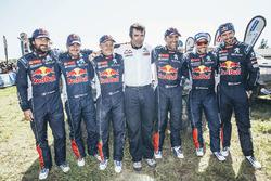 Pilotos de Peugeot Sport con Bruno Famin