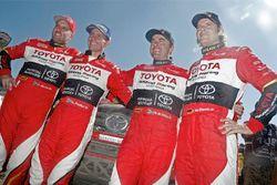Жиньель де Вильерс и Дирк фон Цицевиц, #301 Toyota и Лирой Пултер и Роберт Хауи, #319 Toyota