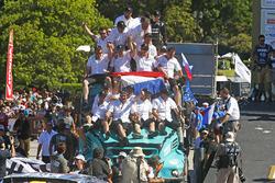 Победители в зачёте грузовиков Жерар де Рой, Моисес Торраллардона и Дарек Родевальд, #501 Iveco