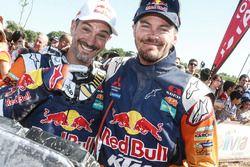 Jordi Viladoms et le vainqueur chez les motos Toby Price