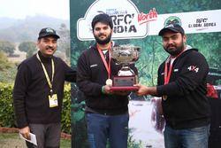 Winners Harpreet Singh and Tejinder Pal Singh with Ashish Gupta