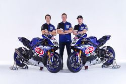 Sylvain Guintoli and Alex Lowes with Paul Denning, Pata Yamaha team principal