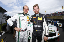 Йерун Блекемолен, Bentley Team HTP Bentley Continental GT3 і Андреас Симонсен, HP Racing Mercedes-Benz SLS AMG GT3