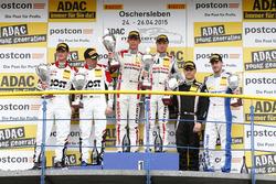 AM-Podio, 2do Dominic Jöst, Florian Scholze, MRS GT-Racing Nissan GT-R NISMO GT3, 1er Marc Gassner, Florian Strauss, MRS GT-Racing Nissan GT-R NISMO GT3, 3ero Jakub Knoll, Lennart Marioneck, Senkyr Motorsport BMW Z4