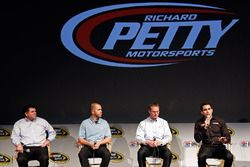 Aric Almirola, Brian Scott, Richard Petty Motorsports Ford