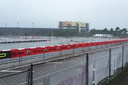 Homestead Miami Yarış Pisti'nde yoğun yağmur