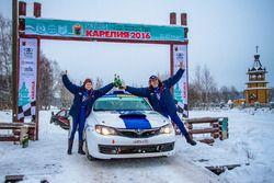 Сергей Успенский и Марина Данилова на финише ралли, Subaru Impreza WRX STi R4