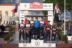 Podio: i vincitori Sébastien Ogier, Julien Ingrassia, Volkswagen Motorsport, secondi Andreas Mikkels