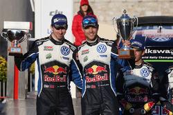 Подіум: друге місце - Андреас Міккельсен, Адерс Єгер, Volkswagen Motorsport