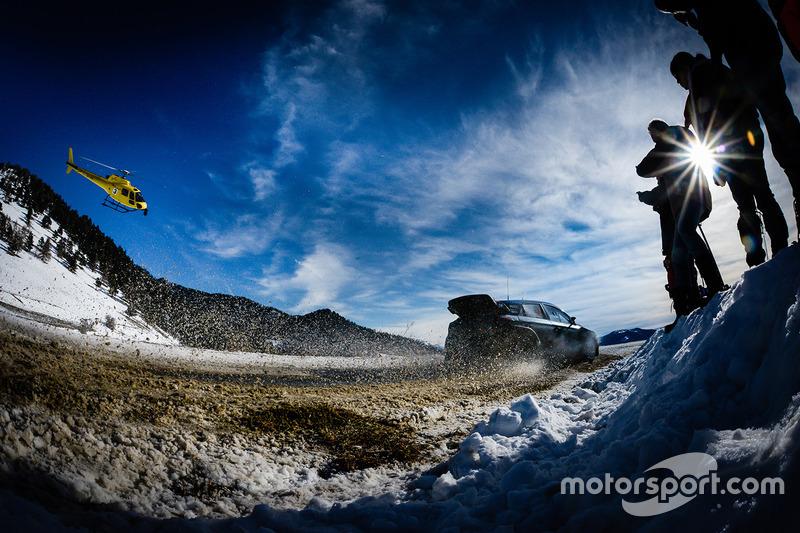 #2: Daniel Sordo und Marc Marti rutschen im Schnee