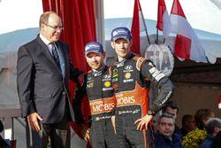 Podium: third place Thierry Neuville, Nicolas Gilsoul, Hyundai Motorsport with Prince Albert II