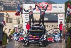 Podium: winners Sébastien Ogier, Julien Ingrassia, Volkswagen Motorsport