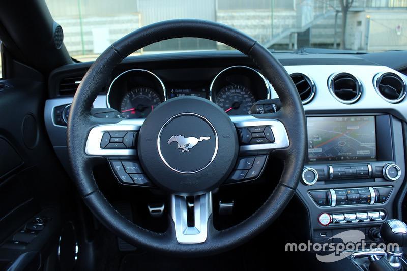 Ford Mustang GT Convertible, prueba