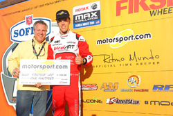 Oliver Askew and Motorsport.com's Scott Sebastian
