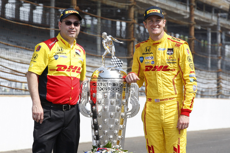 Ryan Hunter-Reay and race engineer Ray Gosselin pictured with the author of this story ;-)