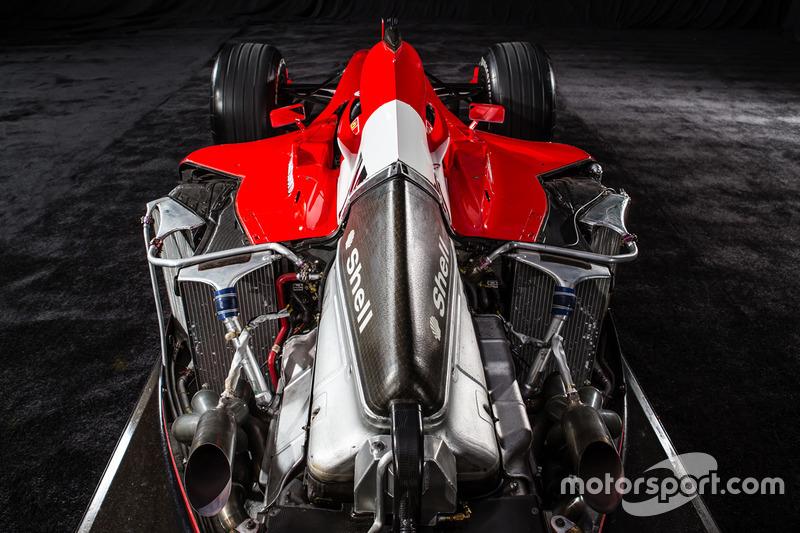 Motore V10 Tipo 050 della Ferrari F2001