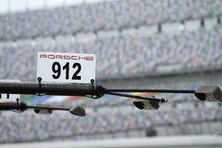Табличка Porsche