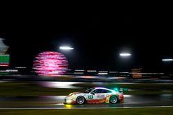 #30 Frikadelli Racing Porsche GT3 R: Klaus Abbelen, Patrick Huisman, Frank Stippler, Sabine Schmitz, Sven Müller