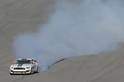 Переможець - Біллі Джонсон, Multimatic Motorsports, влаштував димову завісу