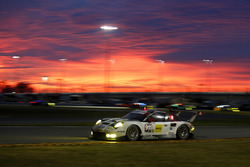 #911 Porsche Team North America Porsche 911 RSR: Нік Танді, Патрік Піле, Кевін Естр