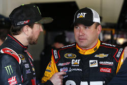 Kurt Busch, Stewart-Haas Racing Chevrolet, Ryan Newman, Richard Childress Racing Chevrolet