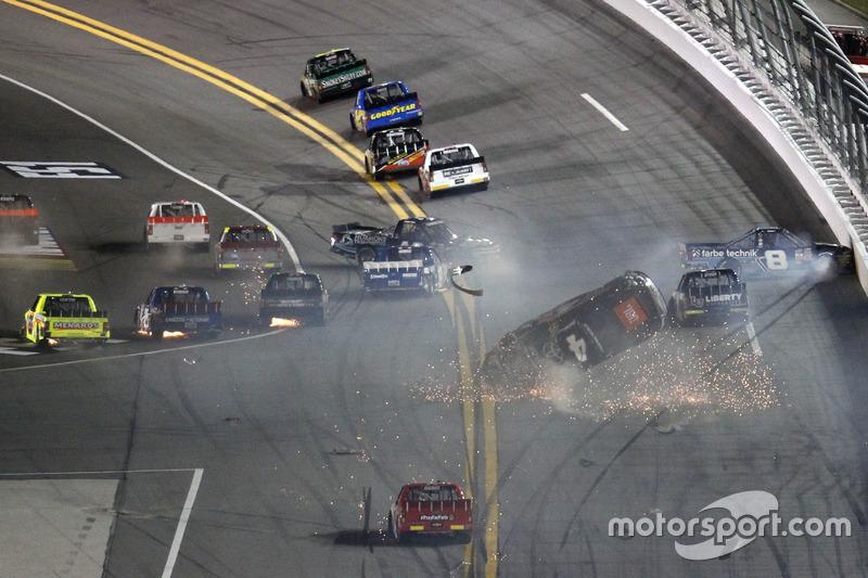 6. Choque: Christopher Bell, Kyle Busch Motorsports Toyota