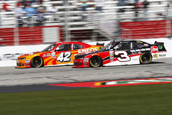 Kyle Larson, Chip Ganassi Racing Chevrolet, Ty Dillon, Richard Childress Racing Chevrolet