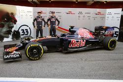 Макс Ферстаппен, Scuderia Toro Rosso и Карлос Сайнс мл., Scuderia Toro Rosso представляют новую ливрею машины Scuderia Toro Rosso STR11
