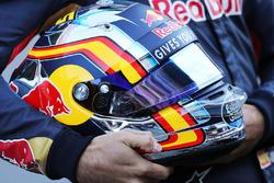 The helmet of Carlos Sainz Jr., Scuderia Toro Rosso