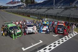 Gruppenbild aller Fahrer 2016