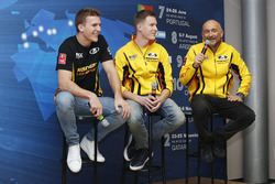 Hugo Valente, Nicky Catsburg, Gabriele Tarquini, LADA Sport Rosneft