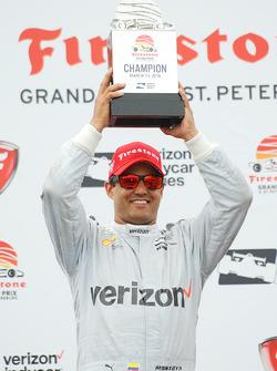Podium: race winner Juan Pablo Montoya, Team Penske Chevrolet