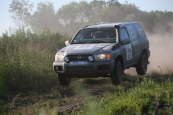 Rus & Swed Nissan Pathfinder : Lars Jakob Grapengiesser et Vladimir Kalinin