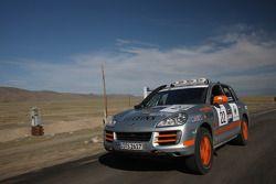 Team Oz - Unfinished Business Porsche Cayenne S Transsyberia : Paul Watson et David Morley