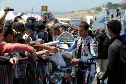 Jorge Lorenzo with his fans