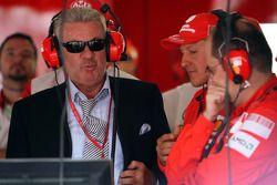 Willi Weber, Pilot Menajeri ve Michael Schumacher, Test Pilotu, Scuderia Ferrari, Ferrari garajı
