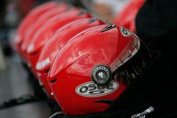 Team helmets for pit stops