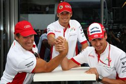 Ralf Moller, Actor con Adrian Sutil, Force India F1 Team y Giancarlo Fisichella, fuerza la India F1