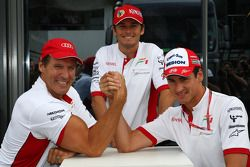 Ralf Moller, Actor con Adrian Sutil, Force India F1 Team y Giancarlo Fisichella, fuerza la India F1 Team