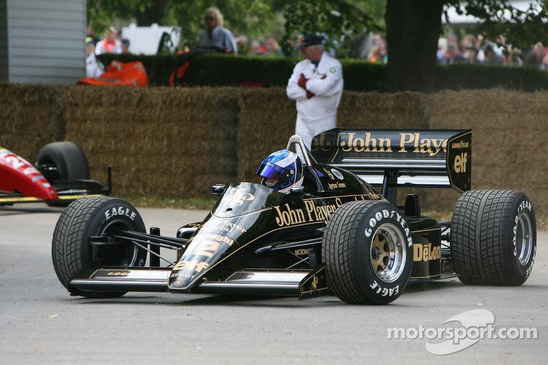 Eddie Cheever: 132 carreras