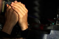 hands, Sebastian Vettel, Scuderia Toro Rosso